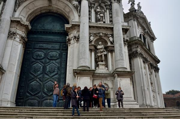 1 - Le groupe devant Santa Maria delle Salute