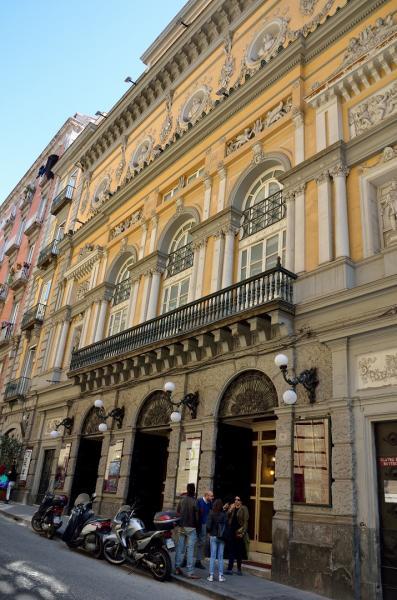 71 - Le Théâtre Bellini
