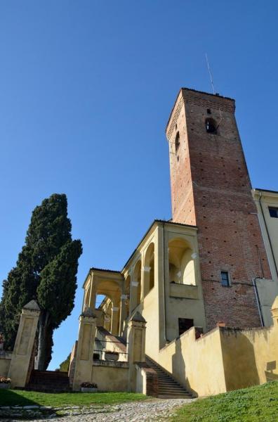 Castello nelle Langhe
