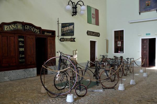 Museo del costume e delle tradizioni popolari piemontesi